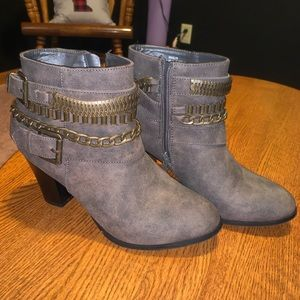 Just Fab short boots